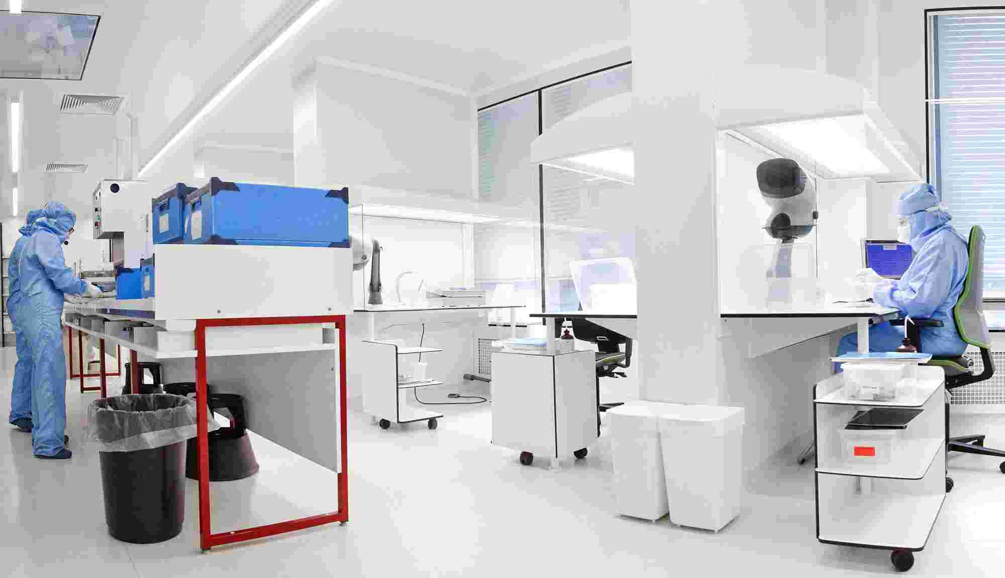 The Cousin Biotech's white room, a high technical production environment